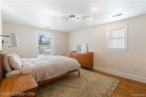 Tiny photo for 1007 S WILSON AVE, Royal Oak, MI 48067-5015 (MLS # 40146575)