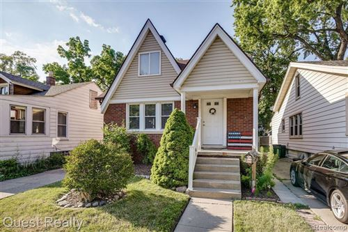 Photo of 505 E WOODLAND ST, Ferndale, MI 48220-3711 (MLS # 40073579)