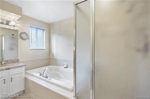 Tiny photo for 1526 WINTHROP RD, Bloomfield Hills, MI 48302-0683 (MLS # 40112579)