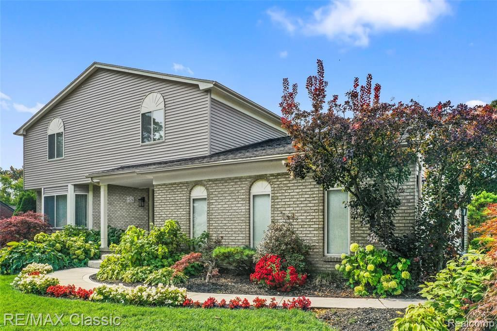Photo for 1526 WINTHROP RD, Bloomfield Hills, MI 48302-0683 (MLS # 40112579)