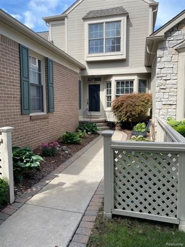 Tiny photo for 523 NEWBURNE POINTE, Bloomfield Hills, MI 48304-1411 (MLS # 40147580)