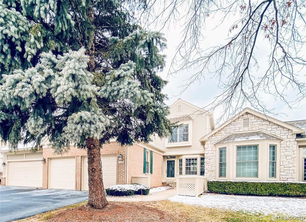 Photo for 523 NEWBURNE POINTE, Bloomfield Hills, MI 48304-1411 (MLS # 40147580)