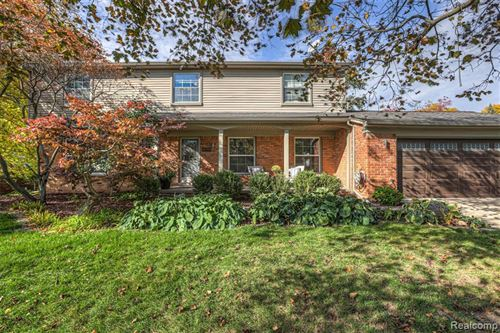 Photo of 18760 WALMER LN, Beverly Hills, MI 48025-5251 (MLS # 40118588)