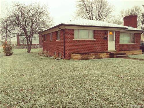 Photo of 4122 DEVON RD, Royal Oak, MI 48073-1976 (MLS # 40127588)