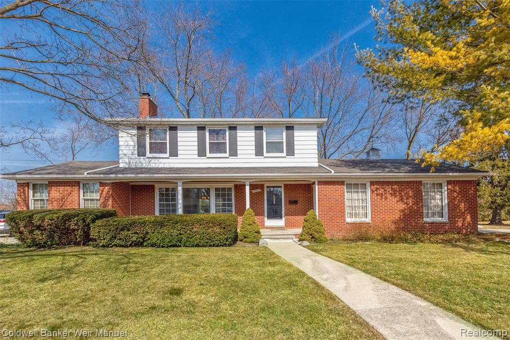 Photo for 17880 KIRKSHIRE AVE, Beverly Hills, MI 48025-3139 (MLS # 40194593)