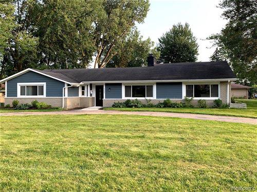 Photo of 3245 MIDDLEBURY LN, Bloomfield Hills, MI 48301-4063 (MLS # 40204596)