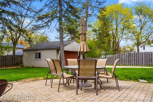Tiny photo for 4117 SEMINOLE DR, Royal Oak, MI 48073-6314 (MLS # 40168599)