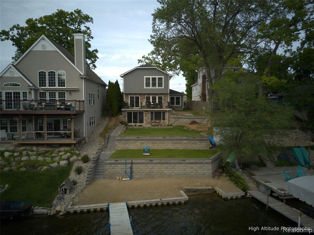 Photo of 3843 ISLAND PARK DR, Waterford, MI 48329-1907 (MLS # 40029607)