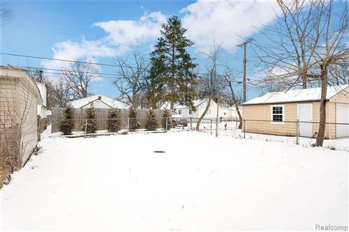 Tiny photo for 1813 COLLEGE ST, Ferndale, MI 48220-2007 (MLS # 40141618)