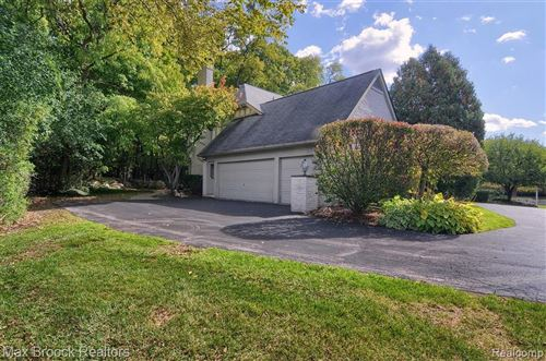 Tiny photo for 290 WILSHIRE DR, Bloomfield Hills, MI 48302-1060 (MLS # 40112620)