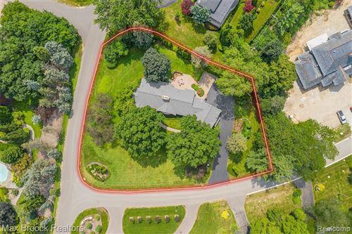 Tiny photo for 711 KENNEBEC CRT, Bloomfield Hills, MI 48304-3322 (MLS # 40245623)