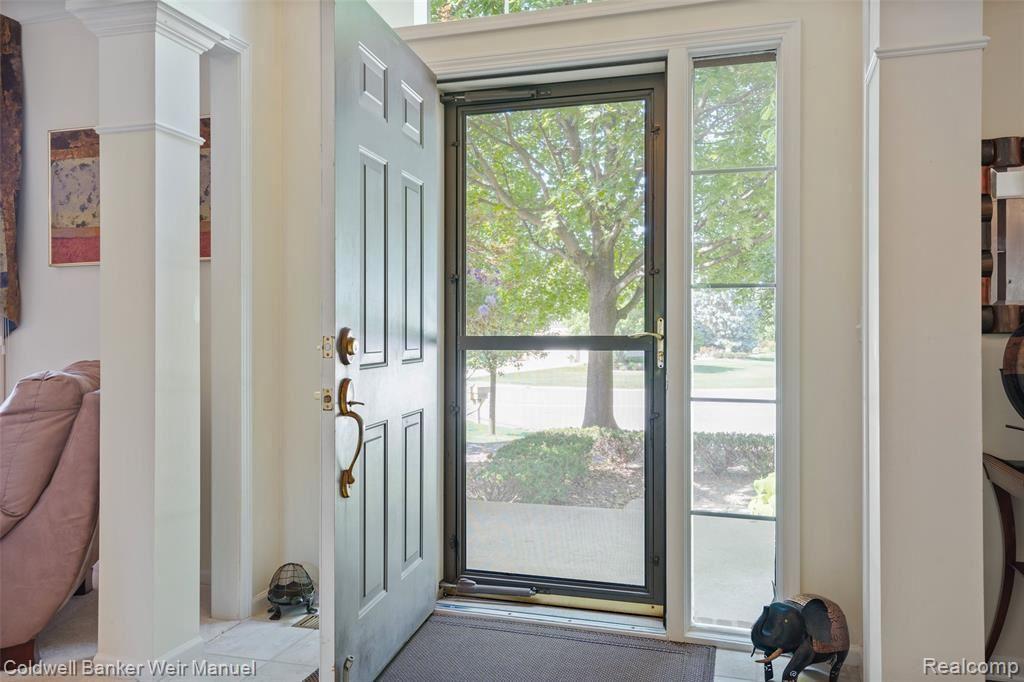 4209 Wincrest Ln Rochester Mi 48306 4772 Mls 40090624 Listing Information Sine Monaghan Realtors Real Living Real Living Real Estate