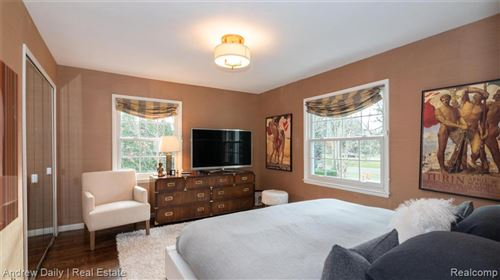 Tiny photo for 31660 GLENCOE DR, Beverly Hills, MI 48025-5616 (MLS # 40125631)