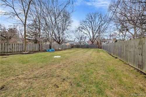 Tiny photo for 618 WALNUT AVE, Royal Oak, MI 48073-5311 (MLS # 40136632)