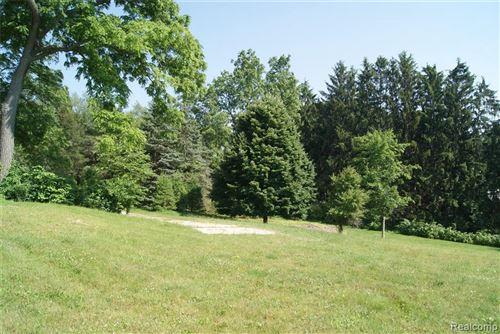 Tiny photo for 1615 KELLER LN, Bloomfield Hills, MI 48302-2249 (MLS # 40136633)