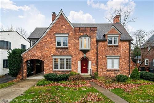 Photo of 491 LINCOLN RD, Grosse Pointe, MI 48230-1608 (MLS # 40126637)