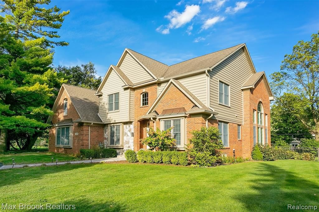 Photo for 31470 EVERGREEN RD, Beverly Hills, MI 48025-3808 (MLS # 21661654)