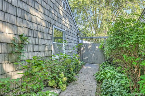 Tiny photo for 15672 KIRKSHIRE AVE, Beverly Hills, MI 48025-3352 (MLS # 40240655)