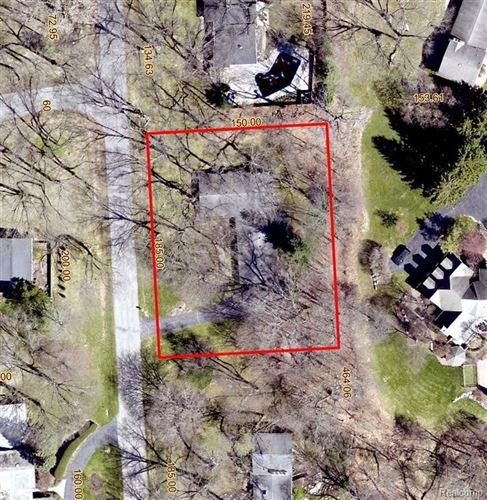 Tiny photo for 4969 MALIBU DR, Bloomfield Hills, MI 48302-2254 (MLS # 40244655)