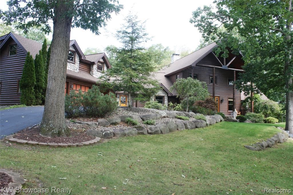 8725 RIVER RUN DR, White Lake, MI 48386-4610 - #: 40028655