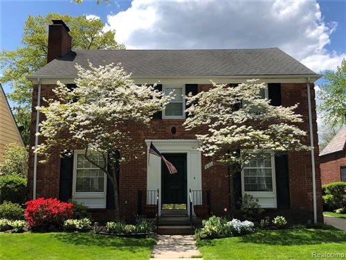 Photo of 637 LINCOLN RD, Grosse Pointe, MI 48230-1219 (MLS # 40147659)