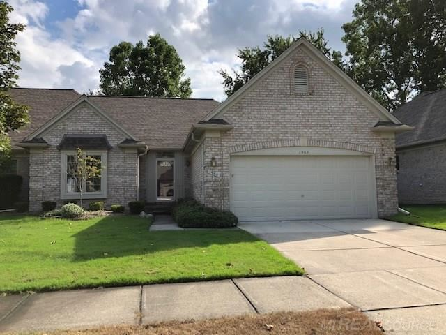 Photo of 1960 Avalon Dr, Sterling Heights, MI 48310 (MLS # 50001666)