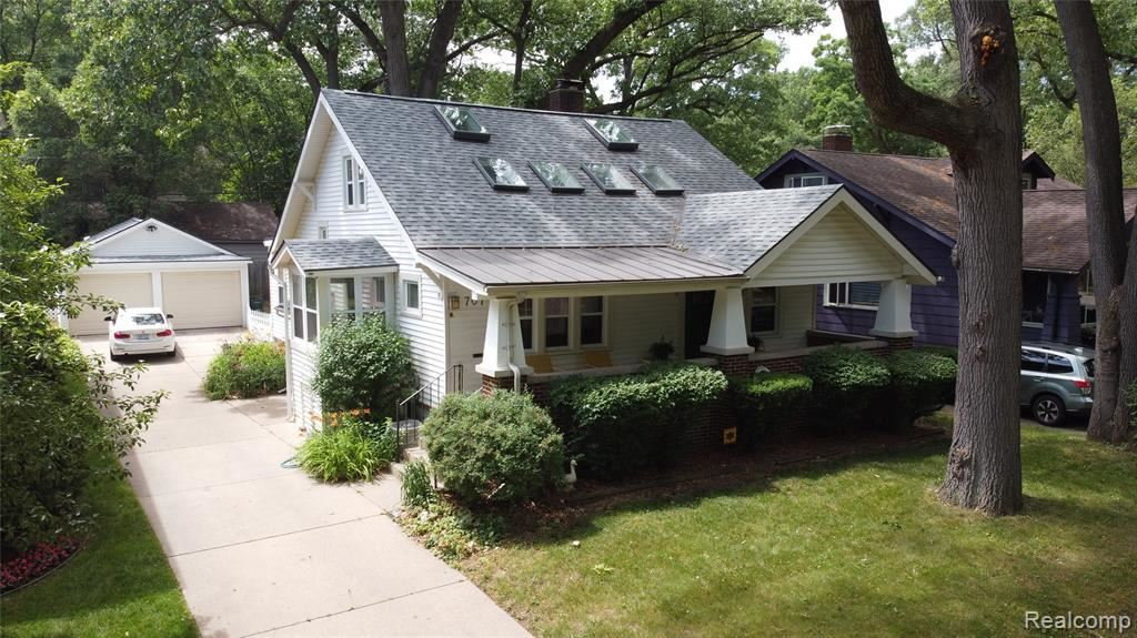 Photo for 707 MAXWELL AVE, Royal Oak, MI 48067-4901 (MLS # 40071668)