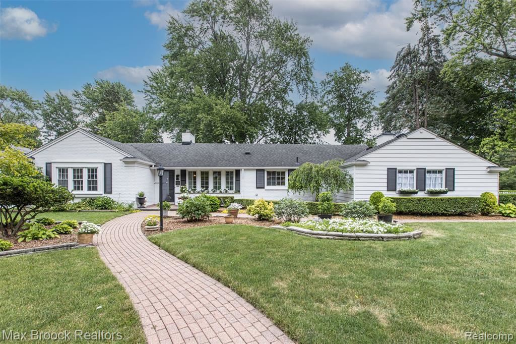Photo for 15921 REEDMERE AVE, Beverly Hills, MI 48025-5673 (MLS # 40190670)