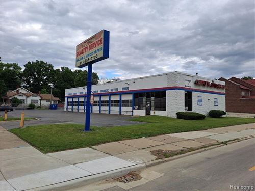 Photo of 22476 W GRAND RIVER AVE, Detroit, MI 48219-3146 (MLS # 40201673)