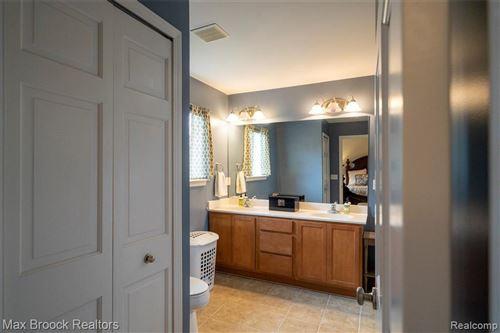Tiny photo for 404 JAMES CIR, Royal Oak, MI 48067-4545 (MLS # 40135680)
