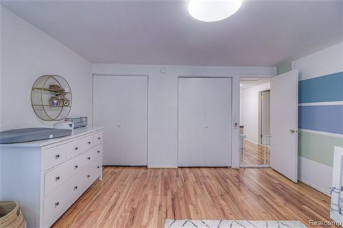 Tiny photo for 30855 W LINCOLNSHIRE, Beverly Hills, MI 48025-4761 (MLS # 40171682)