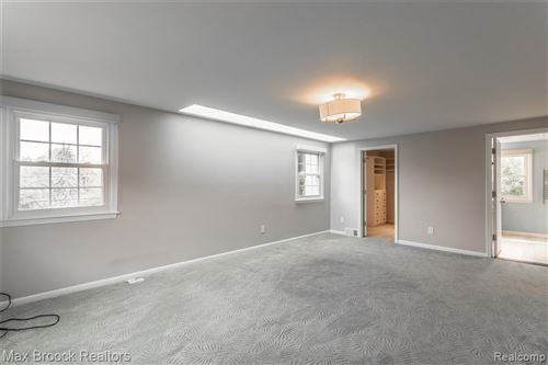 Tiny photo for 3015 HIGH POINTE CRT, Bloomfield Hills, MI 48302-1436 (MLS # 40114688)