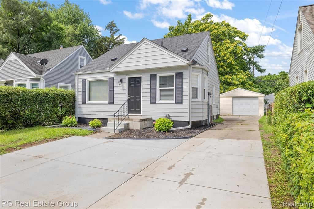Photo for 1420 S CAMPBELL RD, Royal Oak, MI 48067-3411 (MLS # 40200691)