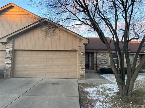 Photo of 41450 AMBERCREST DR, Sterling Heights, MI 48314-3721 (MLS # 40017695)