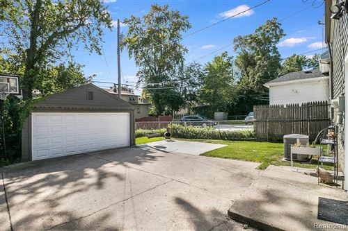 Tiny photo for 228 ARDMORE DR, Ferndale, MI 48220-3352 (MLS # 40112696)