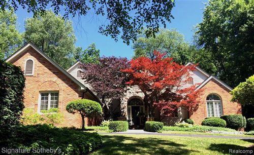 Photo of 1173 FOXWOOD CRT, Bloomfield Hills, MI 48304-1113 (MLS # 40077697)