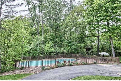 Tiny photo for 32721 WHITE OAKS TRL, Beverly Hills, MI 48025-2563 (MLS # 40072700)