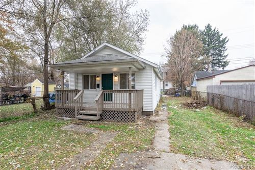 Photo of 1140 E ELZA AVE, Hazel Park, MI 48030-2328 (MLS # 40002705)