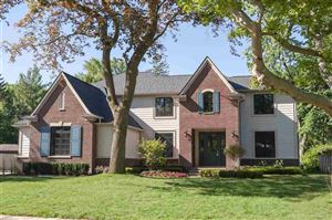 Photo of 697 Sunningdale, Grosse Pointe Woods, MI 48236 (MLS # 31370714)