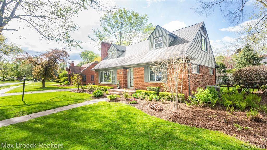 Photo for 16000 AMHERST AVE, Beverly Hills, MI 48025-5608 (MLS # 40173716)