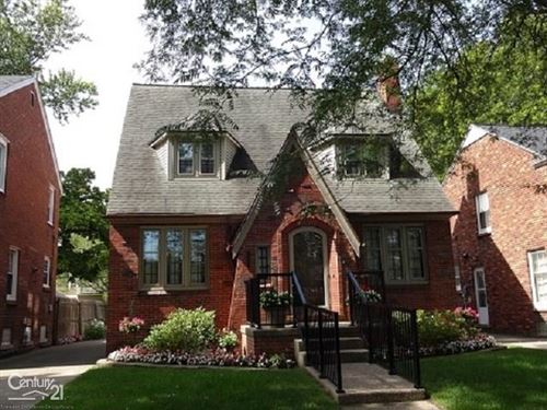 Photo of 425 Moran, Grosse Pointe Farms, MI 48236 (MLS # 50023717)