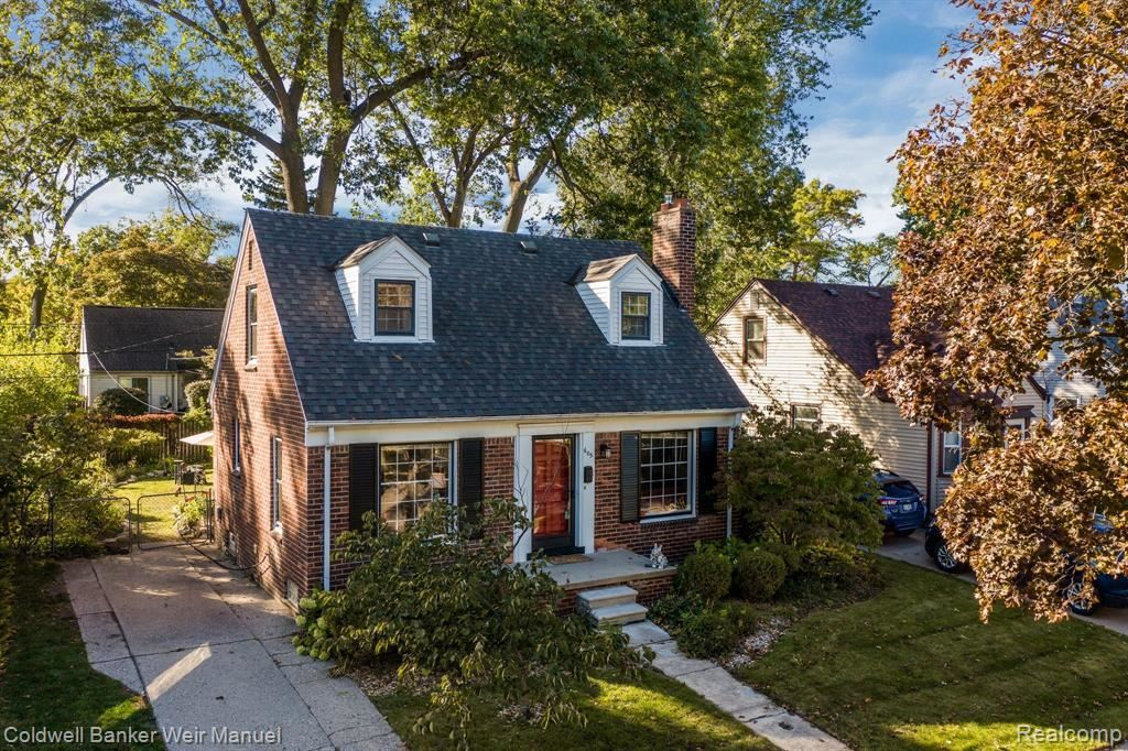 Photo for 605 GARDENDALE ST, Ferndale, MI 48220-2487 (MLS # 40111718)