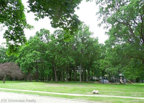 Tiny photo for 1304 GROVE AVE, Royal Oak, MI 48067-1452 (MLS # 40102719)