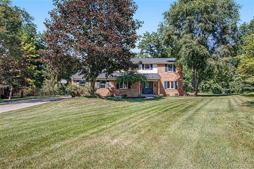 Photo of 21622 RIVERVIEW DR, Beverly Hills, MI 48025-4865 (MLS # 40242723)