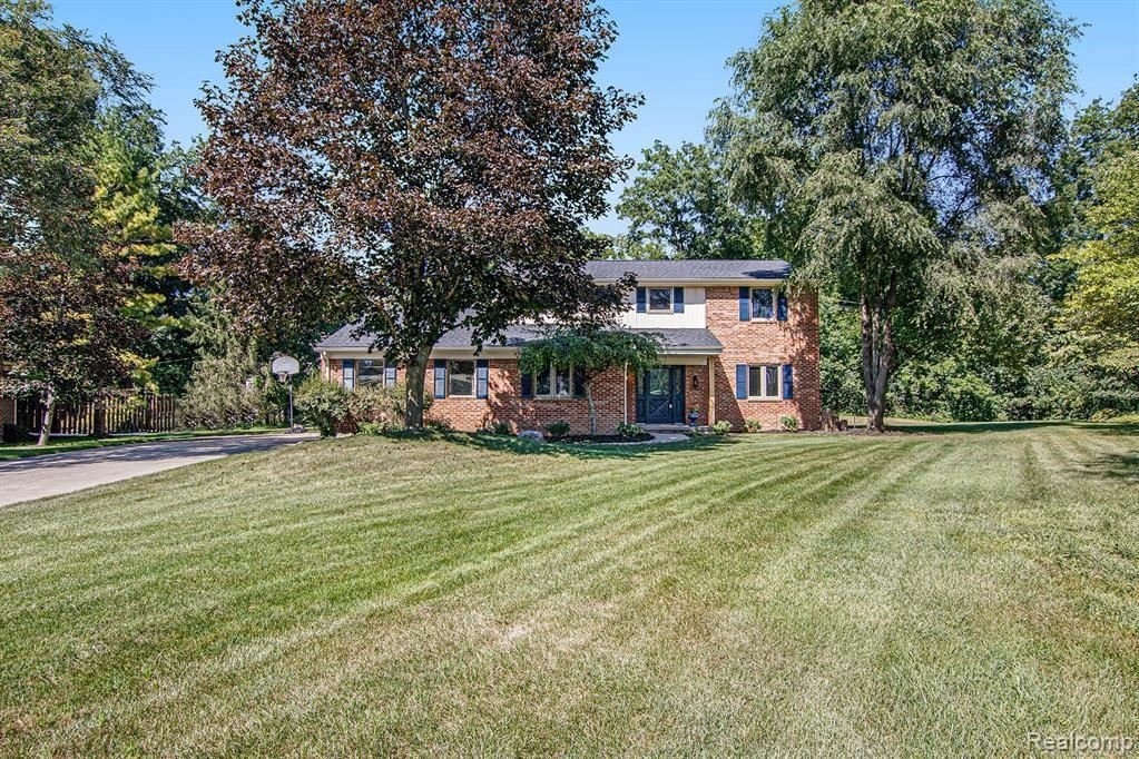 Photo for 21622 RIVERVIEW DR, Beverly Hills, MI 48025-4865 (MLS # 40242723)