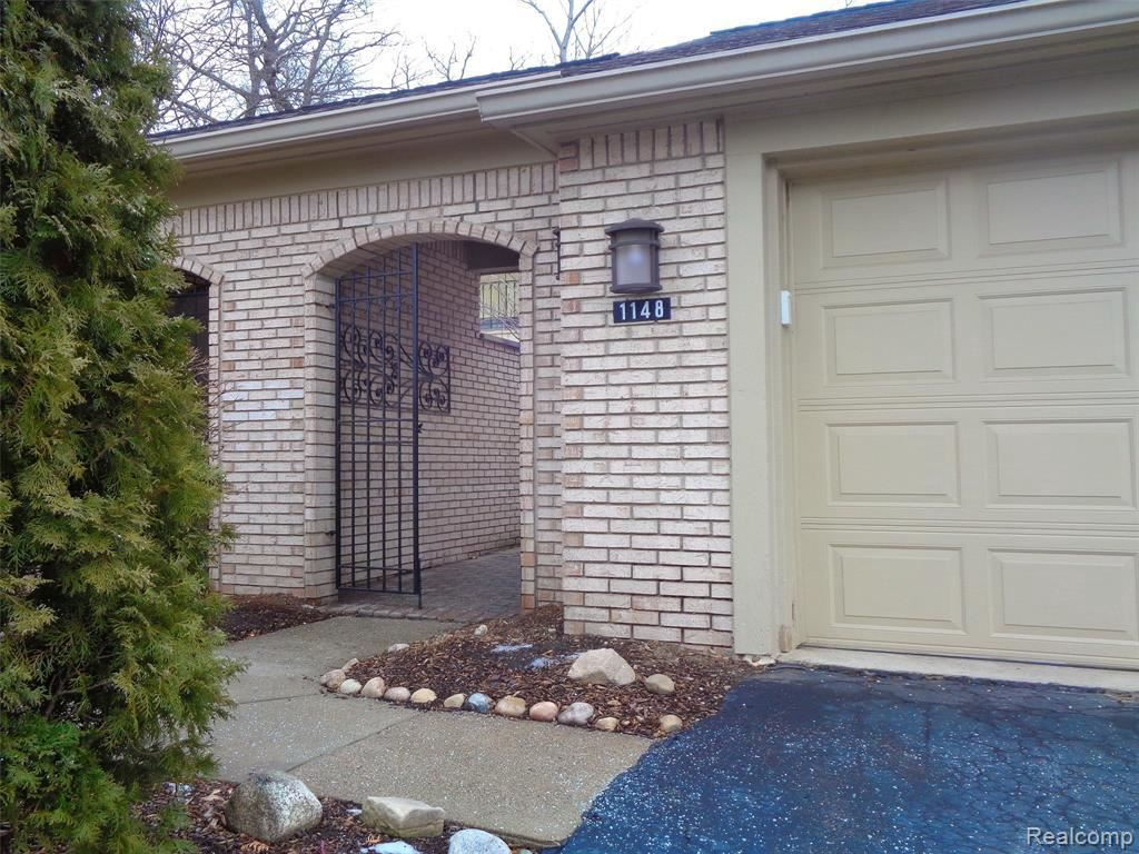 Photo for 1148 TIMBERVIEW TRAIL, Bloomfield Township, MI 48304-1552 (MLS # 40145728)