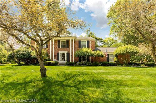Photo of 1629 SPOTSWOOD DR, Bloomfield Hills, MI 48302-2267 (MLS # 40236732)