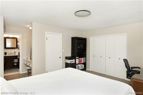 Tiny photo for 9 MILLINGTON RD, Pleasant Ridge, MI 48069-1108 (MLS # 40163733)