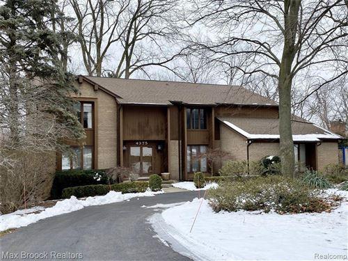 Photo of 4375 MIDDLETON DR, Bloomfield Hills, MI 48302-1630 (MLS # 40136735)
