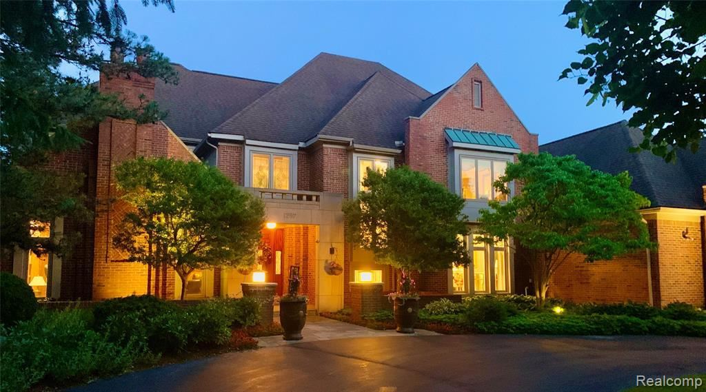 Photo for 1257 WATER CLIFF DR, Bloomfield Hills, MI 48302-1975 (MLS # 40071741)